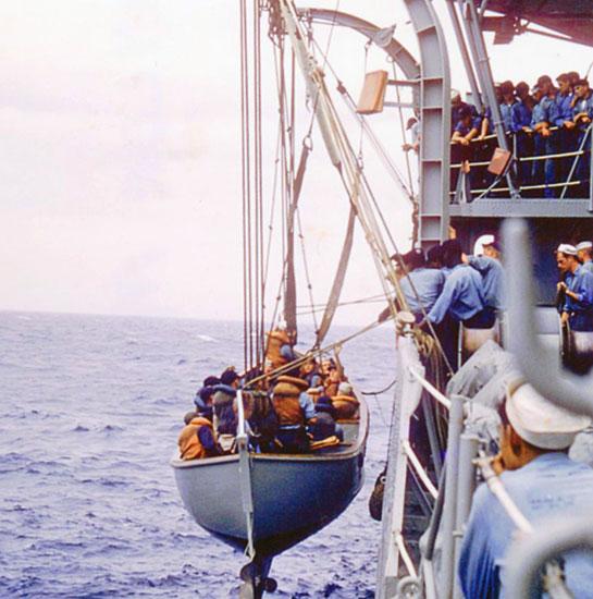 Cold-War-Crew-Onboard-transfer-MWB
