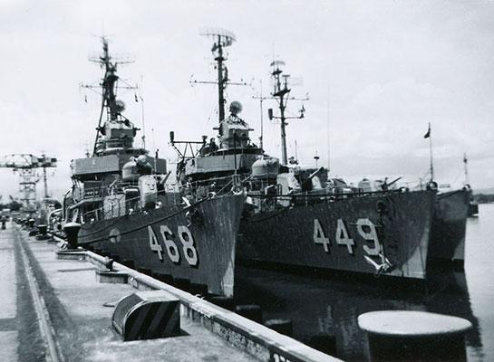 Cold-War-Ship-Photos-along-449