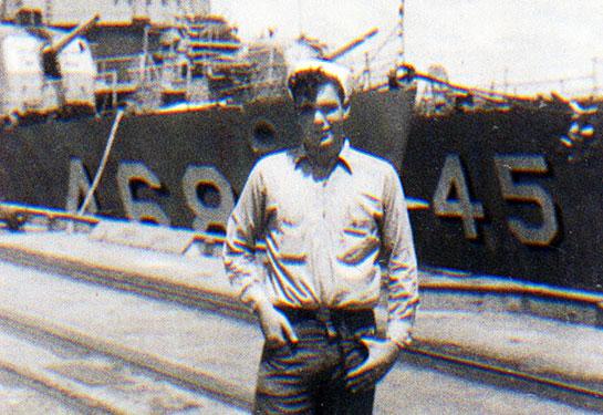 Korea-Crew-sailor-in-front-of-468