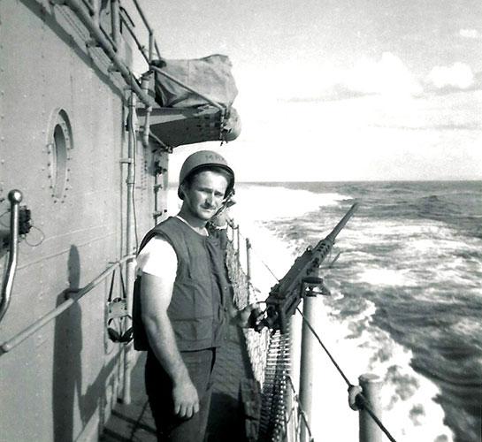 The-Ship-Crew-Vietnam-TM3-Schwartzkopf-at-GQ