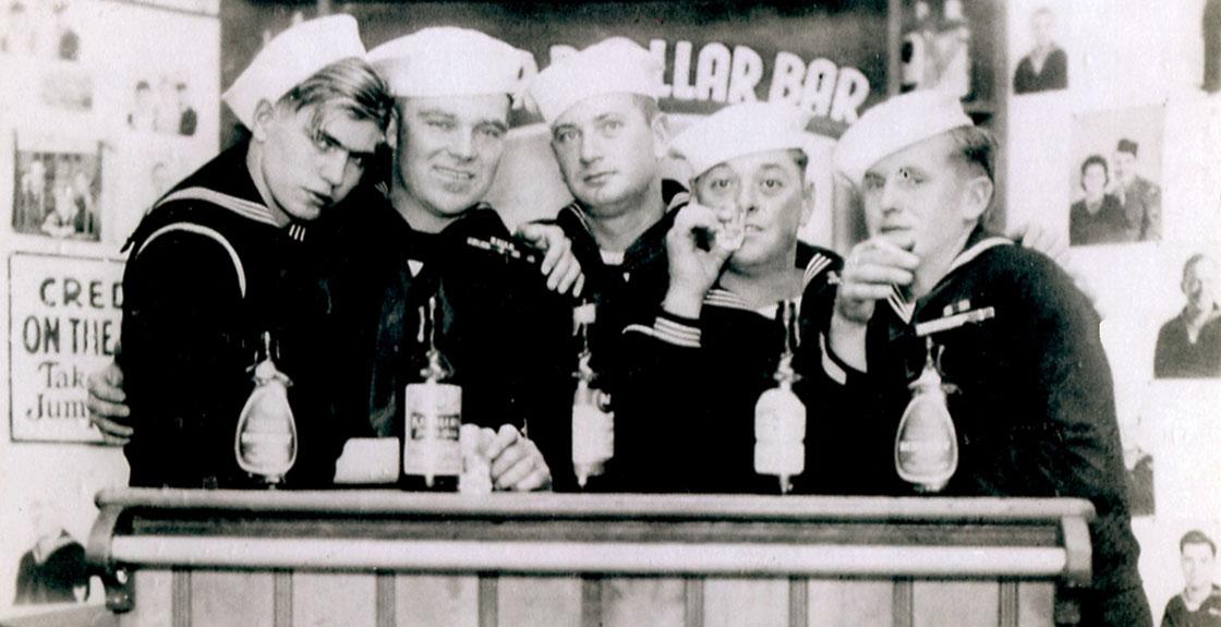 WW-II-Crew-Photos-sailors-at-the-bar