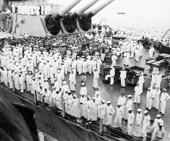 WW-II-Surrender-Crowded-deck-of-USS-Missouri,-2-September-1945
